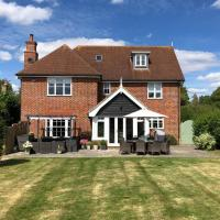 Stunning 5 Bed Home, Constable Country, Suffolk, hotel in Colchester
