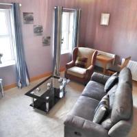 Gwynedd House Flat 2, hotel in Pentraeth