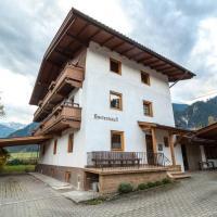 Adventure Holiday Hub: Gartenhäusl