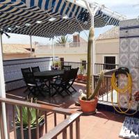 Casa con terraza/Confortable house with terrace, hotel in Aigues