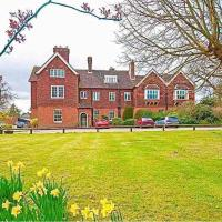 @2bGrangeCourt - A luxury, period, small space. Well connected to London, Gatwick, M23 & M25.