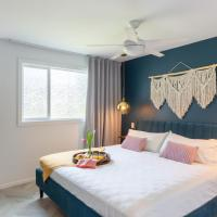 Modern, Romantic Vibes in the Tropics, hotel in Kahuku