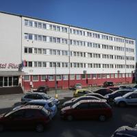 Hotel Plus, hotel poblíž Mezinárodní letiště M. R. Štefánika – Bratislava - BTS, Bratislava