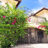 Cozy Apartment in Central Naples - Walk or Bike Ride to Beach