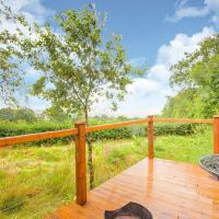 Vintage Holiday home in Welshpool with Garden, hotel in Welshpool