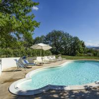 Delightful Holiday Home in Cossignano with Swimming Pool