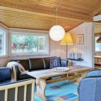 Three-Bedroom Holiday home in Aakirkeby 5, hotel in Vester Sømarken