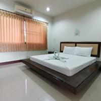 Nest Villa، فندق في Ban Nai
