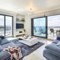 Deluxe 2 Bedroom Apartment in Herzylia by Sea N' Rent