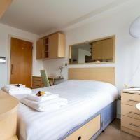 On Point Executive Apartment in Bournemouth, hotel near Bournemouth Airport - BOH, Bournemouth
