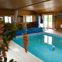 Treetops cottages & spa, hotel in Grasby