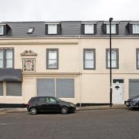 OYO The Benwell Apartments
