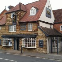 The Monk & Tipster, hotel in Towcester