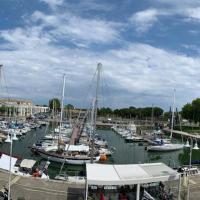 """Le """"LA FAYETTE"""", vue exceptionnelle sur le Port de Plaisance"""