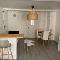 Appartement complet, hyper centre d'Auxerre.