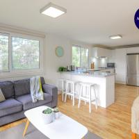 NATURE LOVERS DREAM // FIREPLACE //ACCESS TO HIKES, hotel in Wentworth Falls
