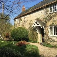 Listed Cottage in rural West Dorset, hotel in Beaminster