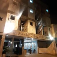Gira Sol Palace Hotel, hotel in Nova Era