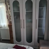 Luxury 2 bedroom caravan sleeps 6 in Hastings