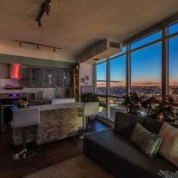 Executive Condo downtown with skyline view, hotel near Billy Bishop Toronto City Airport - YTZ, Toronto