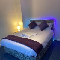 Large modern Beautiful 3 bedroom House - Free WiFi, hotel in Welwyn Garden City