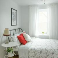 Cute 1 bed apartment in the heart of Little Italy!