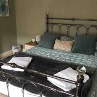 8A Tweed Cottage, just off the High St in Peebles