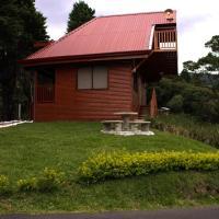 Victorias Cabin Cozy and Romantic Near Volcanoes