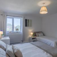 Towan House in Central Milton Keynes with Free Parking and Netflix! Perfect for Contractors and Groups