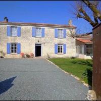 Private double & single room in Spacious country house