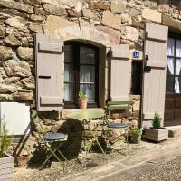 Najac - Mon Petit Gite located in one of the most beautiful villages in France, hotel in Najac