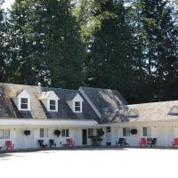 Pines Motel, hotel in Sicamous