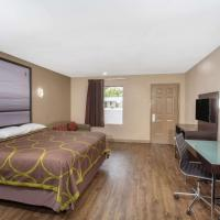 Super 8 by Wyndham Pensacola West, hotell i Pensacola