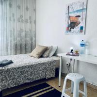 SIMPLE ROOM IN LA ROCHAPEA