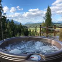 Hot tub, Views, Amenities The Cabin at Blackridge Resort, hotel in Bonners Ferry