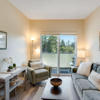 Cozy Creekside 1 bedroom condo, hotel in Victoria