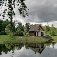 Cabin with Sauna and pond, optional Hot Tube