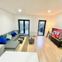 Luxury Townhouse with Two Parking Spaces - Manchester City Centre