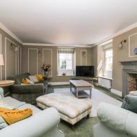 Culdrose Manor
