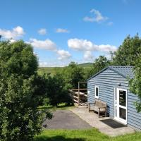 4 Bedroom Holiday Lodge in Welsh Hillside Woodland