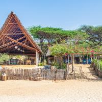 Diamond Beach Village, hotel in Lamu
