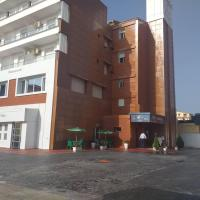 Hotel l'Hirondelle، فندق في برج الكيفان