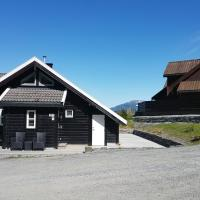 Mountainside Cottage in Voss with a great view