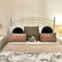 Hampton Leigh - Elegant Apartment in The Wharf