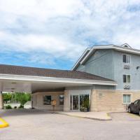 Super 8 by Wyndham Winnipeg West, hotel in Winnipeg