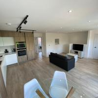 Modern 2Bed, 2Bath Flat with Free Parking