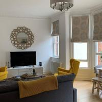 Contemporary Apartment Near Gloucester Quays&Docks