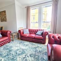 Corner Suite West End Spacious Apartment