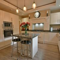 Luxary 4 Bed, 4 bathroom house in central Burnley