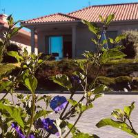 Casa con jardín al lado de Playa Hío